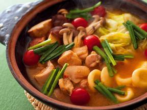 きのことすいとんの味噌鍋