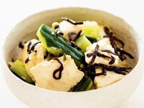 豆腐ときゅうりの塩昆布和え