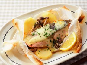 鮭とじゃがいもの包み焼き