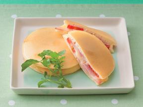 トマトとチーズの簡単ホットサンド
