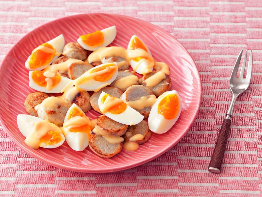 ゆで卵と焼きさといものオランデーズソース
