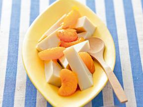 豆乳寒天のレモン黒蜜かけ