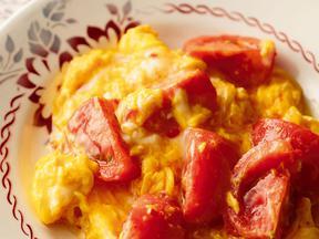 トマトと卵のスイートチリ炒め