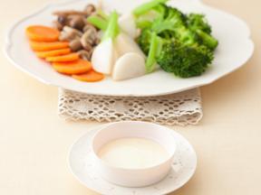 野菜の烏龍蒸しチーズディップ添え
