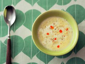 ピリ辛ごま豆乳スープ
