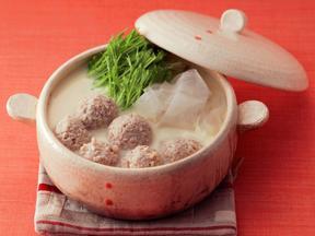 鶏団子と水菜の豆乳ハリハリ鍋
