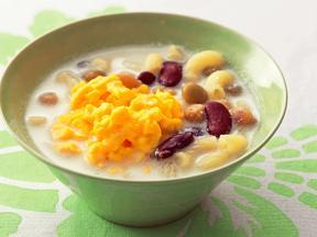 卵と豆のヨーグルトスープ