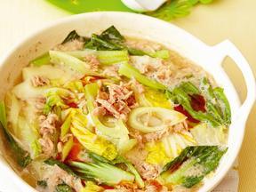 白菜とシーチキンのピリ辛ごま味噌鍋