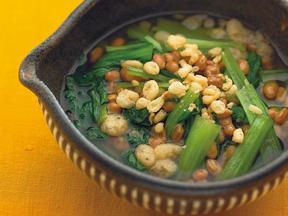 小松菜と揚げ玉の納豆煮びたし