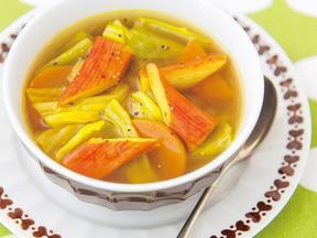 キャベツとかにかまのカレースープ