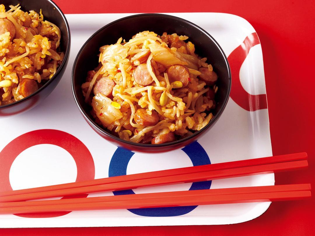 豆もやしとソーセージのキムチ炊き込みご飯
