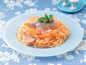 アジとグレープフルーツのトマト風味パスタ