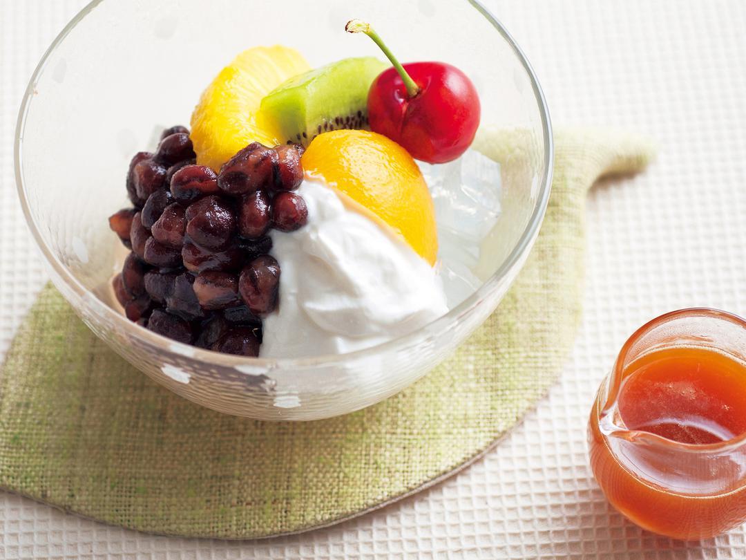 ホエイシロップのフルーツあんみつ