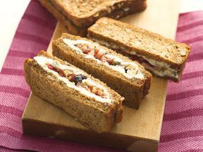 フルグラ&クリームチーズのサンドイッチ